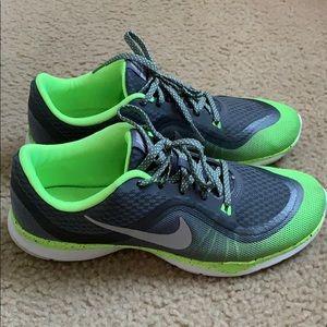 Nike women's flex training 6 sneakers